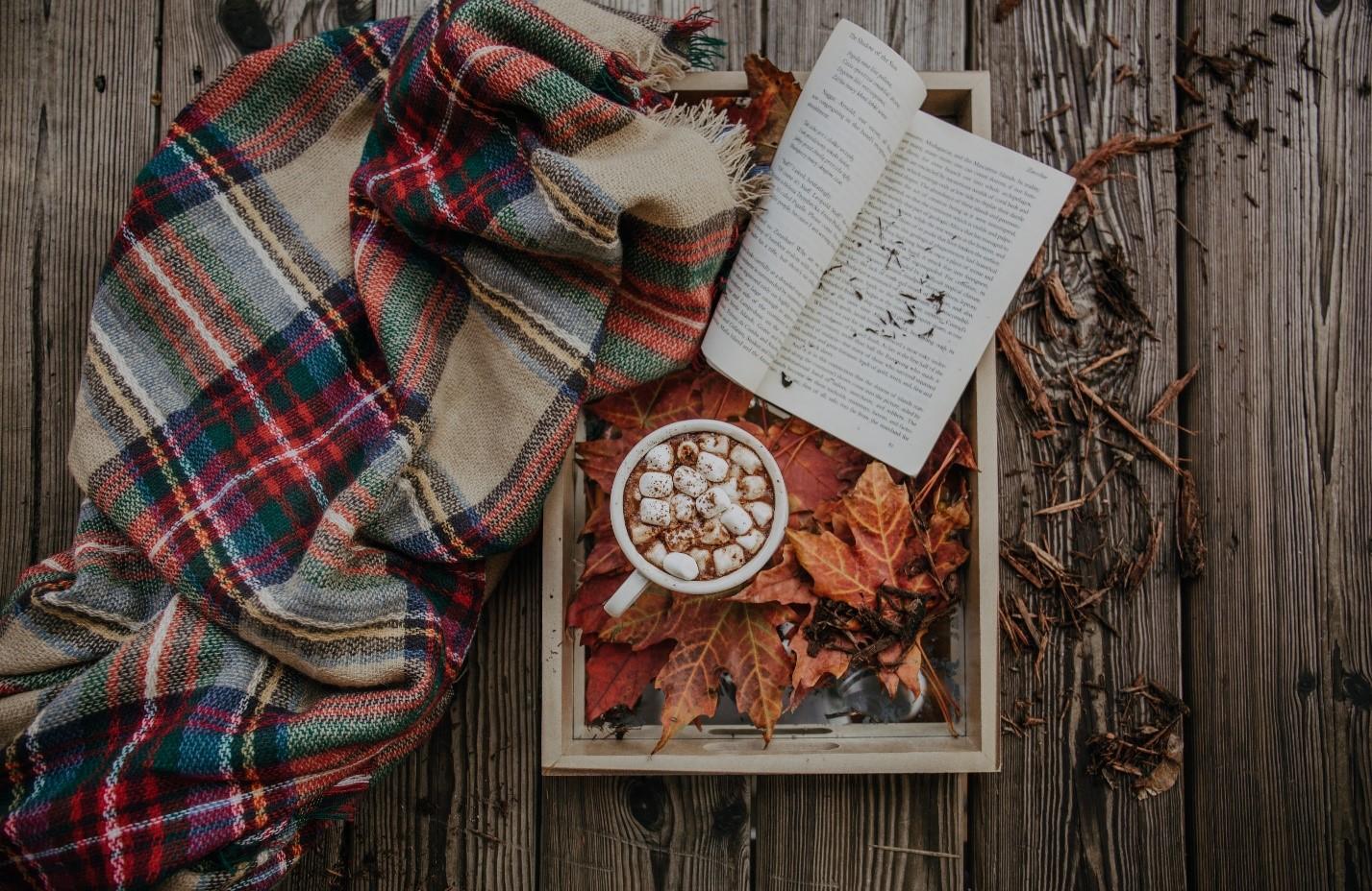 با انتخاب مناسب شال و روسری، مثل پاییز زیبا و رنگی باشید!